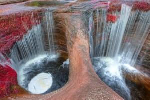 صور لأجمل نهر في العالم سترى لوحة طبيعية ممزوجة بألوان جذابة