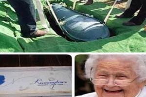 مسنة تأخذ أموال زوجها البخيل وتدفن معه شيك بإسمه إنتقاماً منه!!