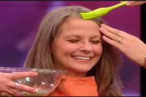 نتيجة مذهلة لسيدة صبغت شعرها بماء البطاطس!! شاهدوا بالفيديو