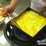 طريقة غريبة في قلي البيض في كوكب اليابان شقيق!! مذهل