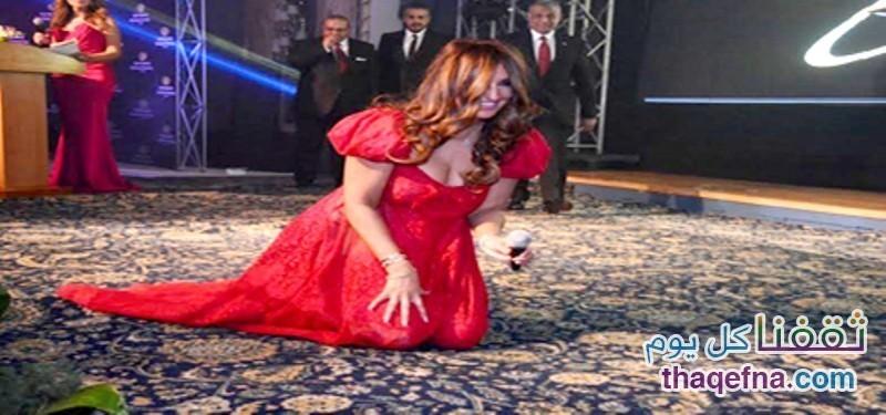 بالفيديو لحظات سقوط بعض الفنانات على المسرح لايفوتكم!!