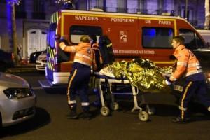الهجوم على باريس.. 140 قتيل.. إعلان حالة الطوارئ.. وإغلاق الحدود