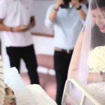 شاهدوا الفتاة التي تمسكت بحبيبها وتزوجته قبل وفاته بـ 10 ساعات في المستشفى،،، فيديو مميز