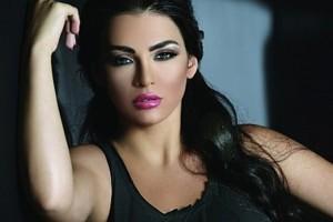"""الفنانة قمر تشتم حبيبها علناً وتتهمه بأنه """"داعش"""" بعد أن ضبطته يخونها"""