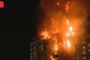 حريق دبي شاهدوا بالصور والفيديو والذي إندلع  قبل إحتفالات رأس السنة
