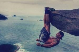 ماهي حقيقة تلك الصورة الخاطفة للقلوب للمتسلق لويس فرناندو كانديلا!!