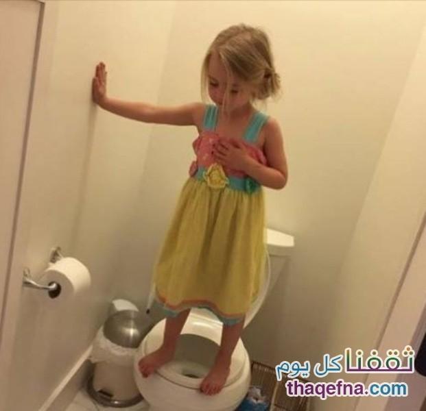 أم أمريكية تضع كاميرا في الحمام لتتفاجأ بما تفعله ابنتها ذات 13 عاماً وتسبب الصدمة للجميع