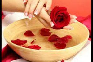 ماء الورد ماسك للبشرة لتبييضها والحفاظ على نضارتها