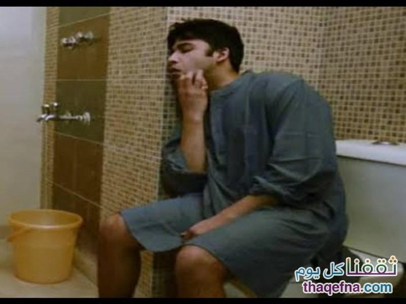 أضرار كبيرة تحصل للجسم عند قضاء 15 دقيقة وأكثر بالمرحاض . . .  والأضرار أكبر على القولون