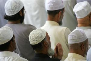 مختل عقلياً يقتل إمام مسجد بالمغرب وأحد المصلين وإصابة ثلاثة آخرين أحدهم بحالة خطيرة