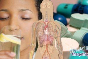 مشروب الليمون مع الماء الدافيء وفوائد يجهلها الكثيرون وماذا يحدث للجسم عند شربه بإستمرار!