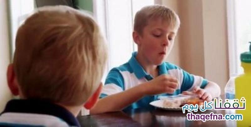 طفل 8 سنوات إمتنع عن تناول طعامه