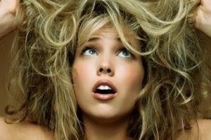 أفضل وصفة طبيعية لإعادة إحياء الشعر المصبوغ بمكونات طبيعية وبنتائج سريعة ومذهلة