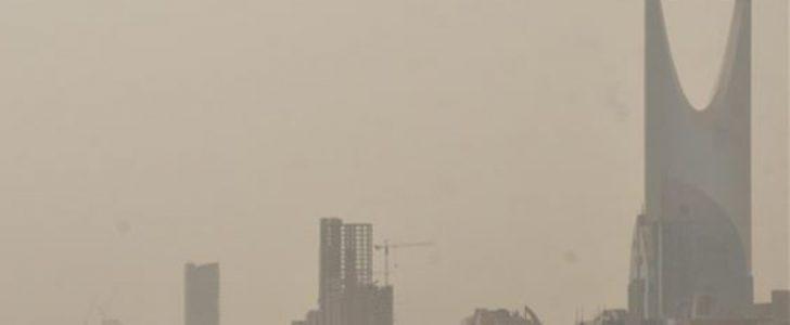 غبار الرياض يجتاح موقع تويتر أكثر من الجو في السعودية وتوقعات بهطول أمطار خلال ساعات