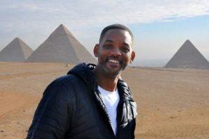 الممثل العالمي ويل سميث Will Smith في أهرامات الجيزة ويعتبر زيارته من أجمل أيام حياته