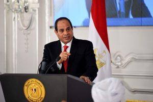صرح الرئيس عبد الفتاح السيسي الآن بأنه سوف يوفر فرص عمل للشباب الخريجين