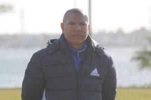 تفاصيل جلسة أبو طالب العيسوي مع لاعبي النادي الإسماعيلي بعد إقالة فرانز ستراكا بسبب تراجع فريق الرداء الأصفر