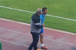 مغادرة أحمد تمساح لاعب سموحة ملعب المكس لإجراء أشعة عاجلة بعد تعرضه لإصابة قوية خلال مواجهة فريقه للمقالون العرب اليوم