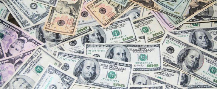 سعر الدولار الأمريكي اليوم الأحد الموافق 04/06/2017  في البنوك المصرية والسوق السوداء
