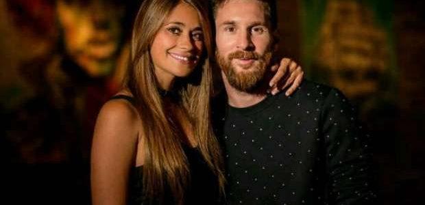 حفل زفاف ميسي اللاعب الأرجنتيني نجم فريق برشلونة وهدية تذكارية للحاضرين