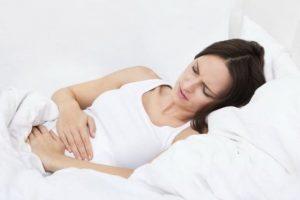 أعراض الحمل في الأشهر الأولى لتتجنبي مشاكل الإجهاض وطريقة فحص الحمل المنزلية !